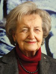 A world renowned pioneer in the field of neuropsychology, Brenda Milner began her illustrious career in the early 1950's under the supervision of Dr. Donald Hebb.